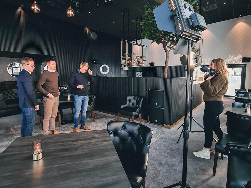Kunden Angeläget fotas av Norr Media